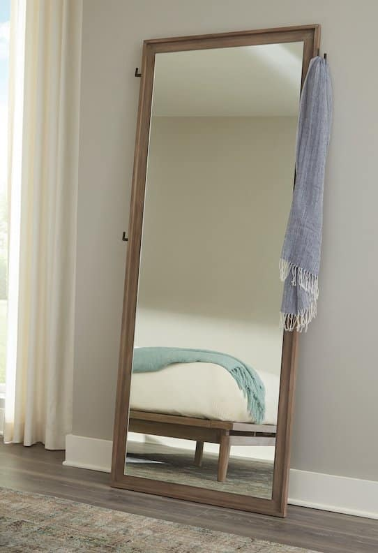 223057 vanowen standing mirror